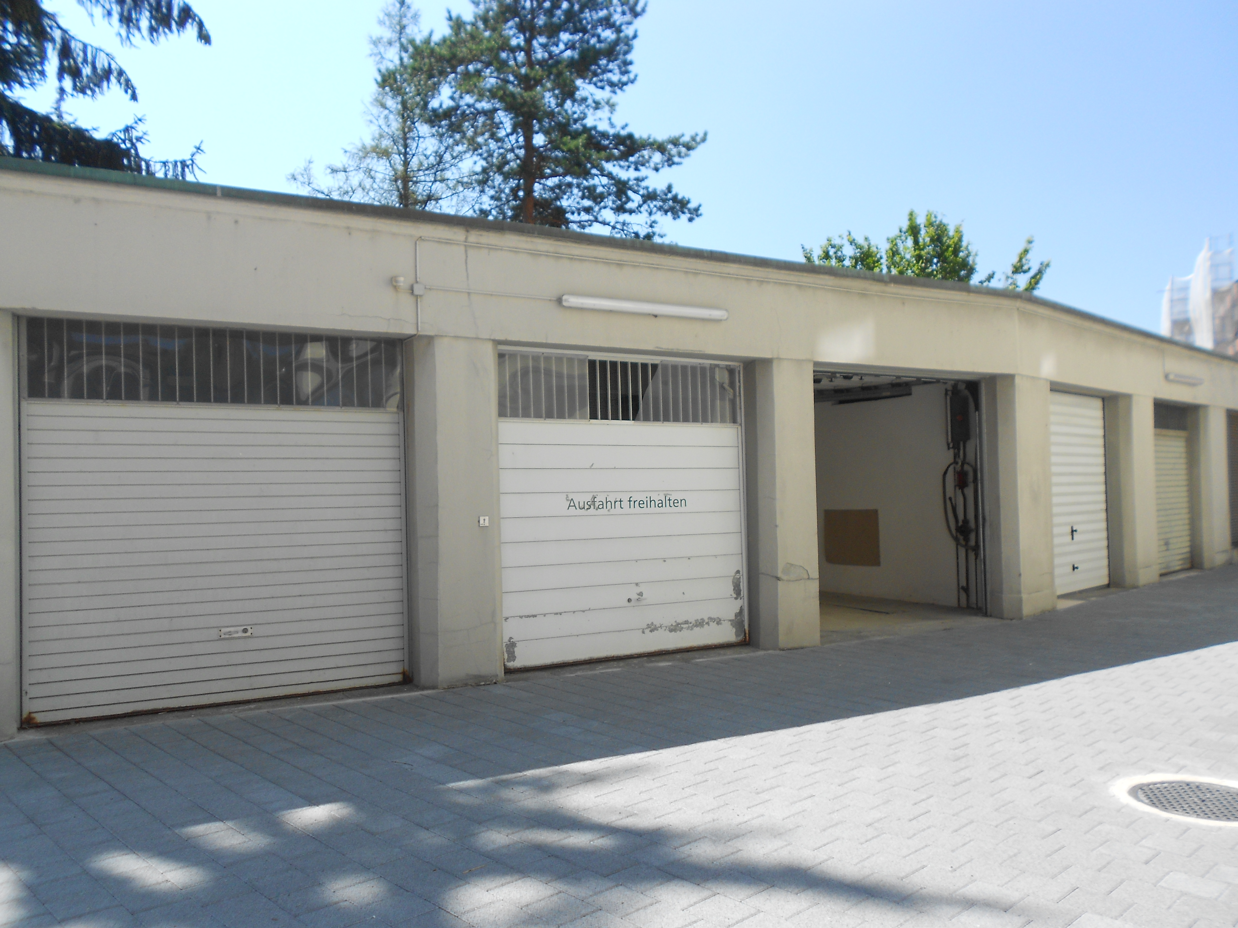 Garagenbox und lagerraum mieten ziegler immobilien for Immobilien mieten